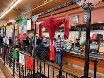 El Burrito Mercado, Counter service