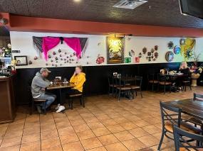 El Burrito Mercado, Dining by the bar
