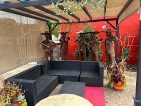 El Burrito Mercado, Outdoor couches
