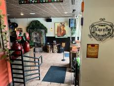 El Burrito Mercado, To the bar