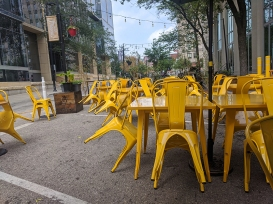 Settle Down, Street seating