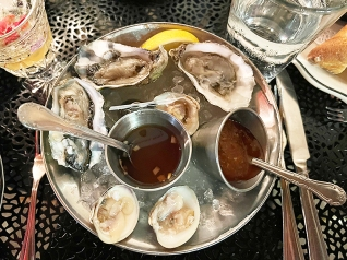 Meritage, Oysters and clams